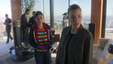 Watch Quintessential Deckerstar. Episode 23 of Season 3.
